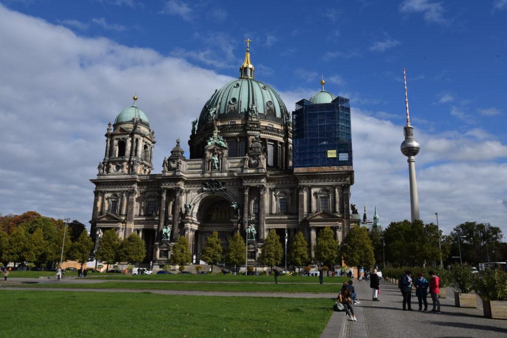 Katedra i wieża telewizyjna w Berlinie