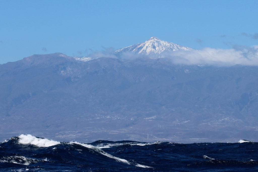 Wyspy Kanaryjskie - Teneryfa, Wulkan Teide i fale na oceanie