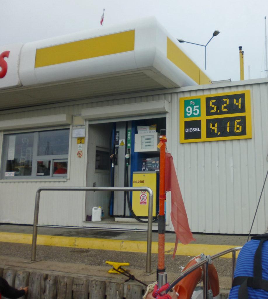 Stacja benzynowa dla jachtów w Gdyni