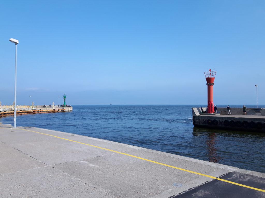Główki portu na falochronie w Łebie