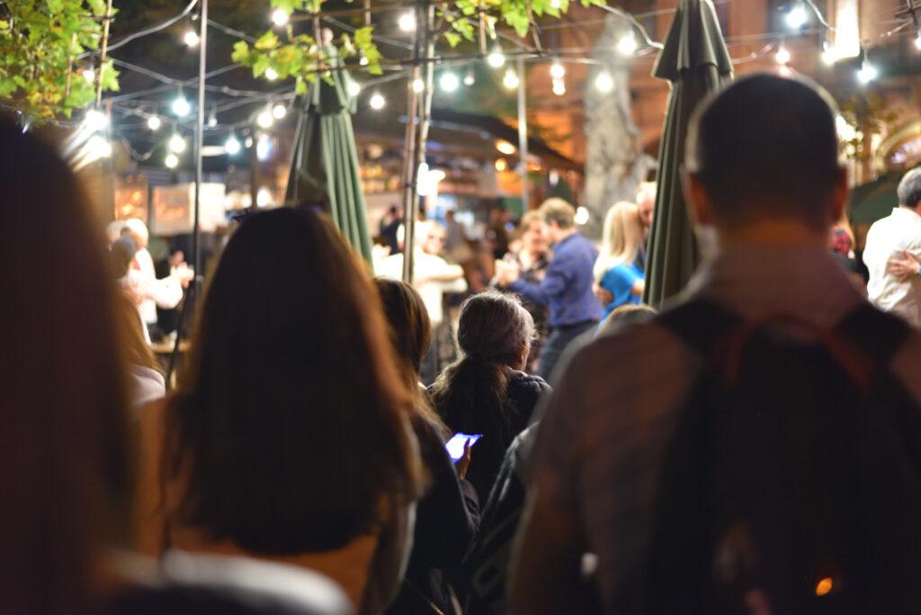 Tango na lwowskim rynku o zmroku